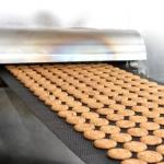 Выпечка изделия на линии печенья